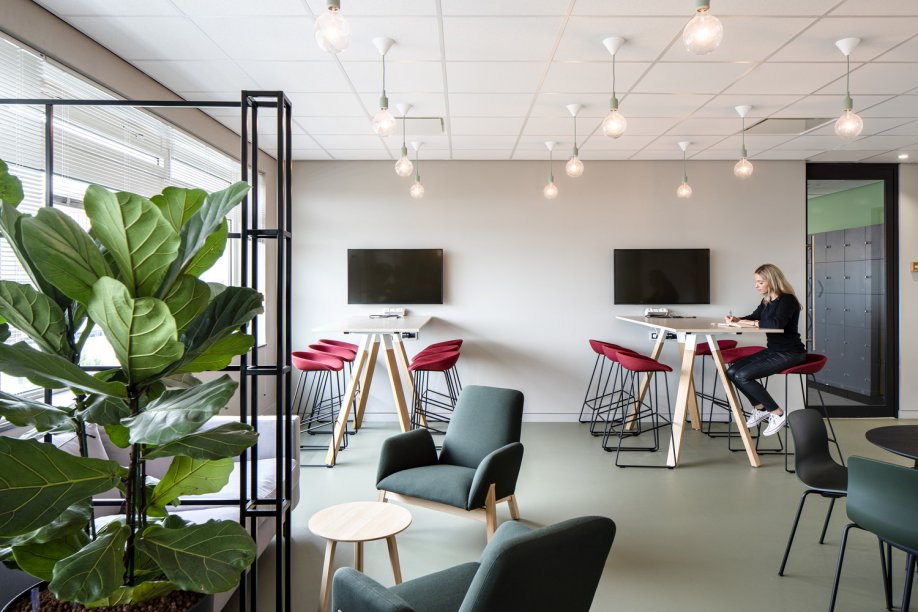 Workspace and Office Design Projects: Unispace Seattle